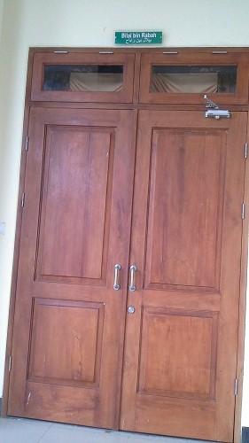 Pintu Bilal Bin Rabah (Mesjid Agung Madani Islamic Centre Pasir Pangaraian Rokan Hulu, Kamis 5/5/2016)