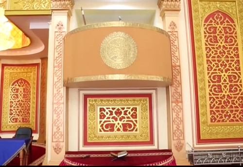 Mimbar  Mesjid Agung Madani Islamic Centre (Pasir Pangaraian Rokan Hulu, Kamis 5/5/2016)