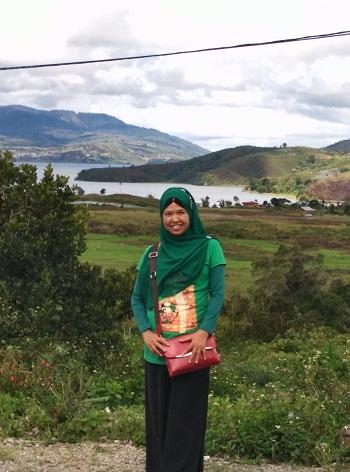 "Dokumentasi foto di Jl.Raya Alahan Panjang dengan latar ""Danau Diateh"" salah satu dari danau kembar (Rabu, 3/8/2016)"