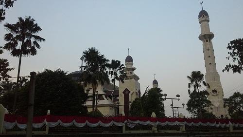 Mesjid Agung At-Tin TMII Jakarta Timur (Rabu 17 Agustus 2016)