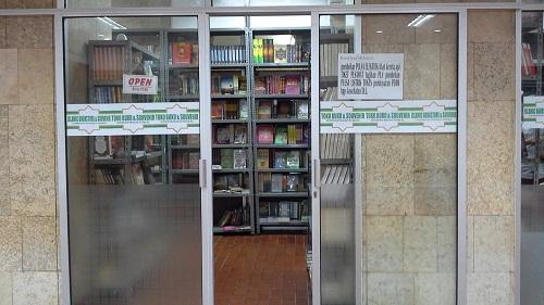 Toko Buku dan Souvenir Masjid Istiqlal Jakarta  (Kamis 18 Agustus 2016)