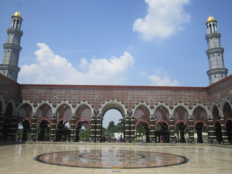 Plaza Masjid Kubah Emas Depok  (Jumat 19 Agustus 2016)