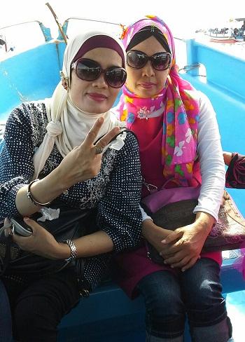 Dokumentasi Foto Di atas Motor Boat saat Menuju Pulau Penyu