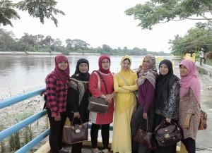 Dokumentasi Foto di Tepi Sungai Siak Propinsi Riau-Indonesia