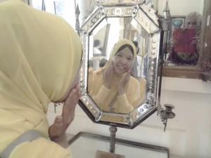 Bercermin di Cermin Ratu Agung Istana Siak
