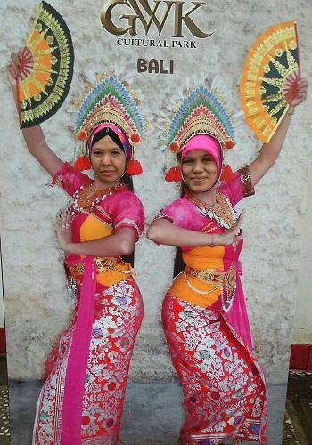 """Numpang Nampang jadi Penari Bali sebentar di """"GWK Cultural Park"""" Bali"""