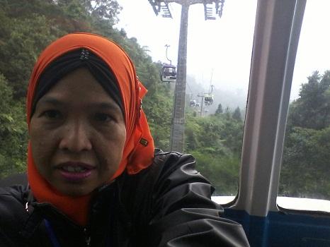 Dokumentasi Foto Penulis saat perjalanan menuju Genting Highlands dengan mrnggunakan Skyway Cable Car