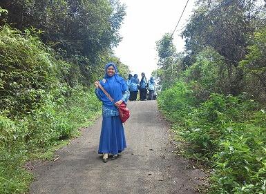 Meski kaki letih karena berjalan kaki menuju Puncak Pusaran Angin Payorapuih, namun dokumentasi foto tetap dilakukan