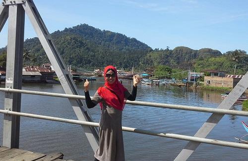 Dokumentasi Foto Penulis di Jembatan Sungai Pisang Saat Star Menuju Suwarnadwipa  (28-12-2015)