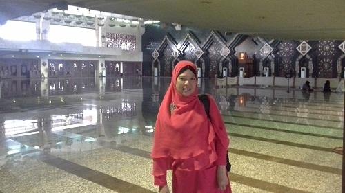 Dokumentasi Foto saat berada di ruang utama Mesjid Agung At-Tin TMII Jakarta Timur  (Rabu 17 Agustus 2016)