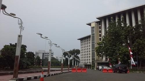 Lampu jalan kompleks Masjid Istiqlal Jakarta  (Kamis18 Agustus 2016)