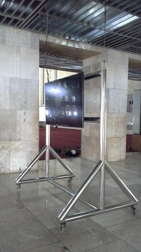 Salah satu TV yang terdapat di Masjid Istiqlal Jakarta  (Kamis 18 Agustus 2016)