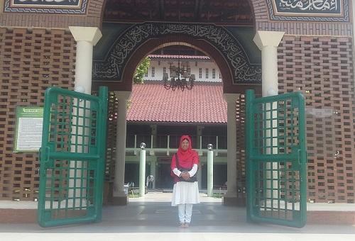 Berkunjung ke Masjid UI Depok (Universitas Indonesia Depok, Jumat 19 Agustus 2016)