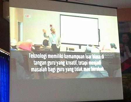 Salah satu slide kata motivasi pentingnya guru menguasai teknologi yang disampaikan oleh Bapak M.Arif, S.Pd (Pelatihan TTW, SMK Cikini Jakarta Utara, Minggu 21 Agustus 2016)