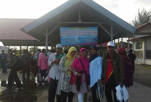 Dokumentasi Foto sebelum naik ke Kapal Express Bahari F2  di Pelabuhan Ulee Lheue Banda Aceh (Kamis 29 Desember 2016)