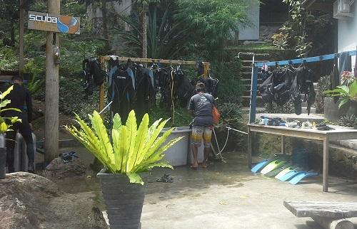 Tempat Sewa Peralatan Snorkling/Diving di Pantai Iboih Sabang Pulau Weh (Kamis, 29 Desember 2016)