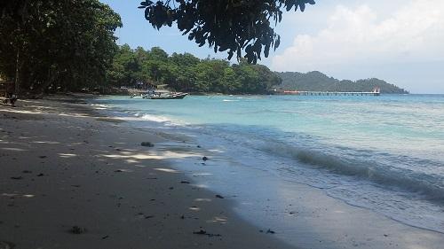 Penampakan Sisi Sebelah Kiri Pantai Gapang Sabang Pulau Weh (Kamis 29 Desember 2016)
