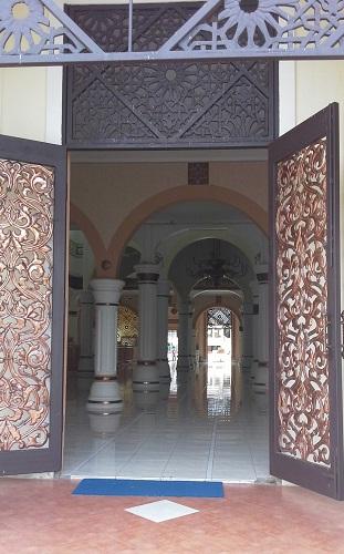 Pintu Utama Bagian Utara Masjid Agung Babussalam Sabang Pulau Weh (Kamis 29 Desember 2016)
