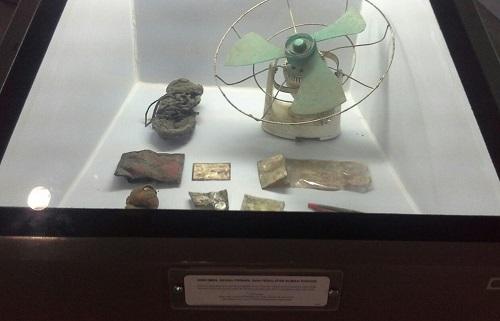 Puing kipas angin, sepatu, KTP, dll saksi bisu dahsyat Tsunami 2004 (Museum Tsunami Banda Aceh Jumat, 30 Desember 2016)